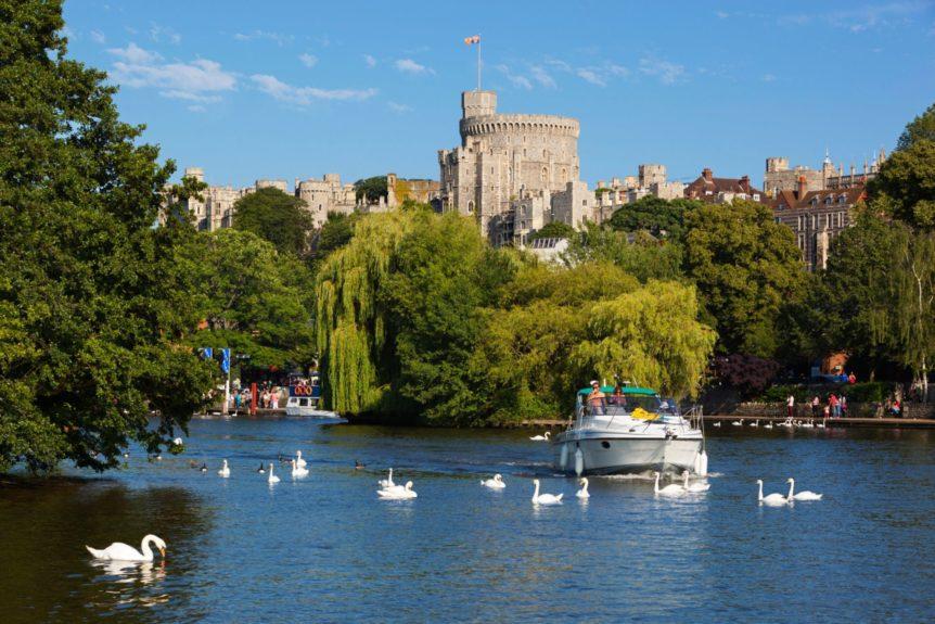 Windsor Castle and River Thames, Windsor, Berkshire, England, UK